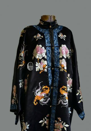 Antique Chinese 1920s Qing Dynasty Silk Embroidered Floral Motif Robe Vintage