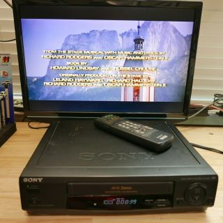Sony Slv - 678hf Vhs/vcr Good Video Cassette Player - With Sony Remote