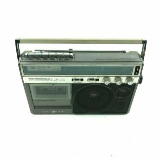 General Electric 3 - 5247a Rechargeable Cassette Tape Radio ? 2.  B4