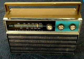 Vintage Sears Am Radio Silvertone Solid State Ten Properly