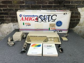 Commodore Amiga 500 Computer With Power Supply/accessories